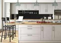 woodgrain-light-grey-shaker-kitchen